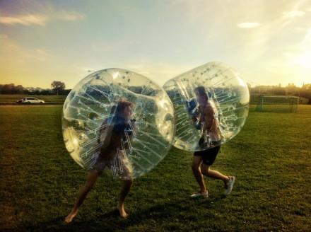 Annorlunda tävling sport aktivitet Bumper ball - boka hos Eventkraft