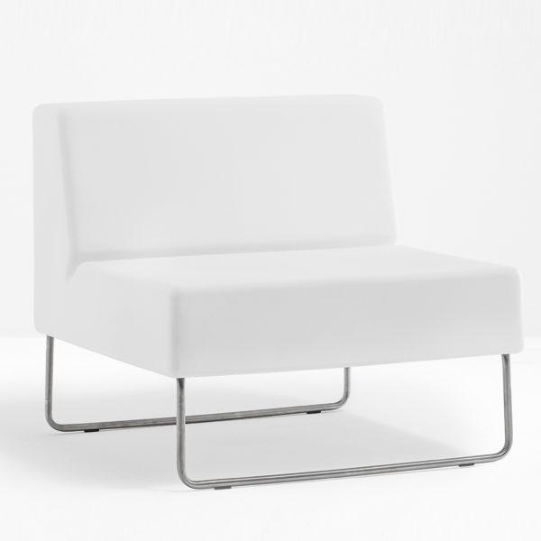 Host-Lounge-790-1
